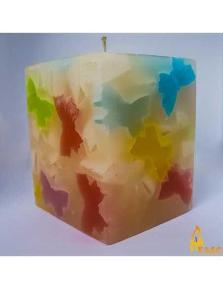 Lumanare Adori Cub Mediu din Fluturi Lumanari Decorative 44,00lei